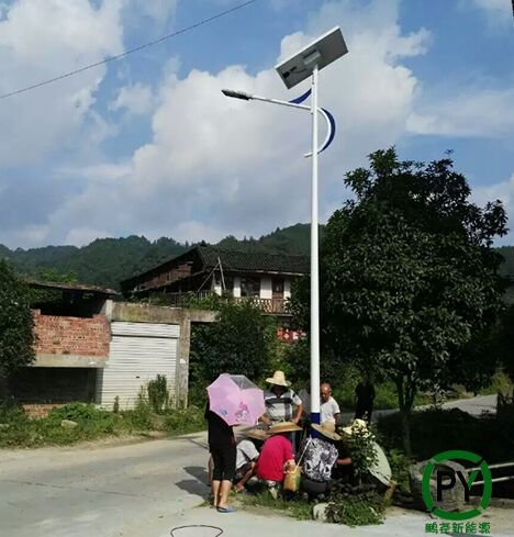 满城5米太阳能路灯调试