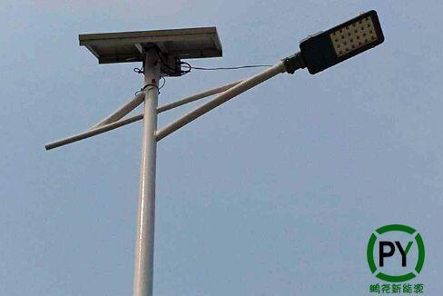 太阳能路灯保持几个阴雨天