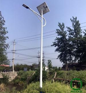 太阳能路灯led灯头已成乡村道路亮化标配