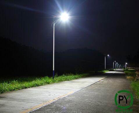 太阳能led路灯越来越不亮是怎么回事